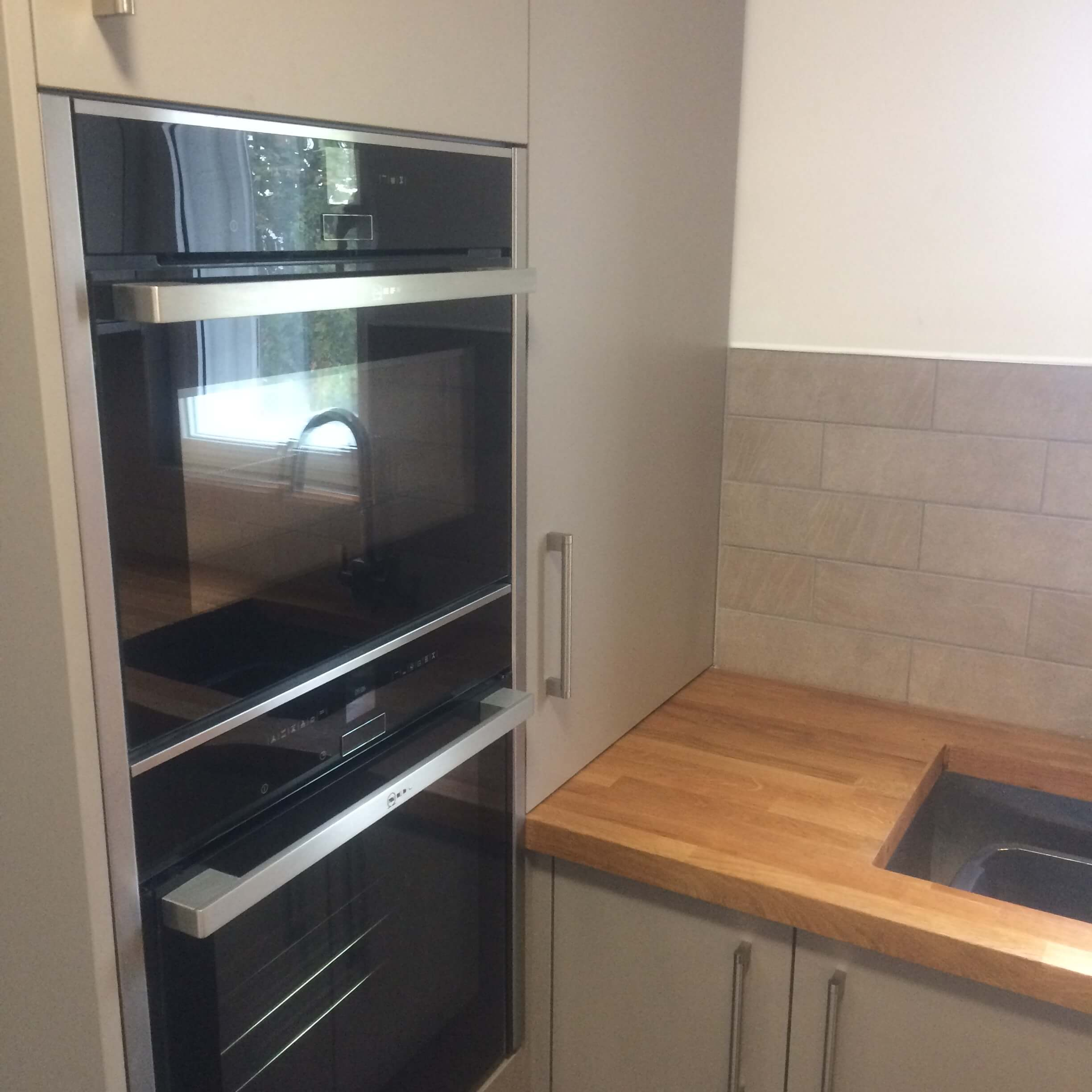 Handled kitchen installation SE6