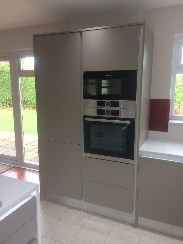 Handle less kitchen BR1