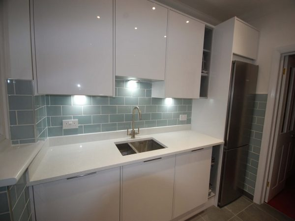 Handle less and Handled Kitchen Installation Beckenham