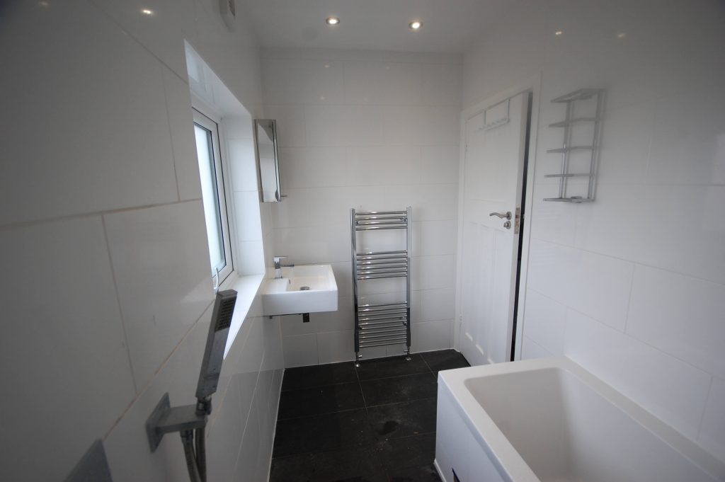 Bathroom Installation Grove Park, Kingshurst Road